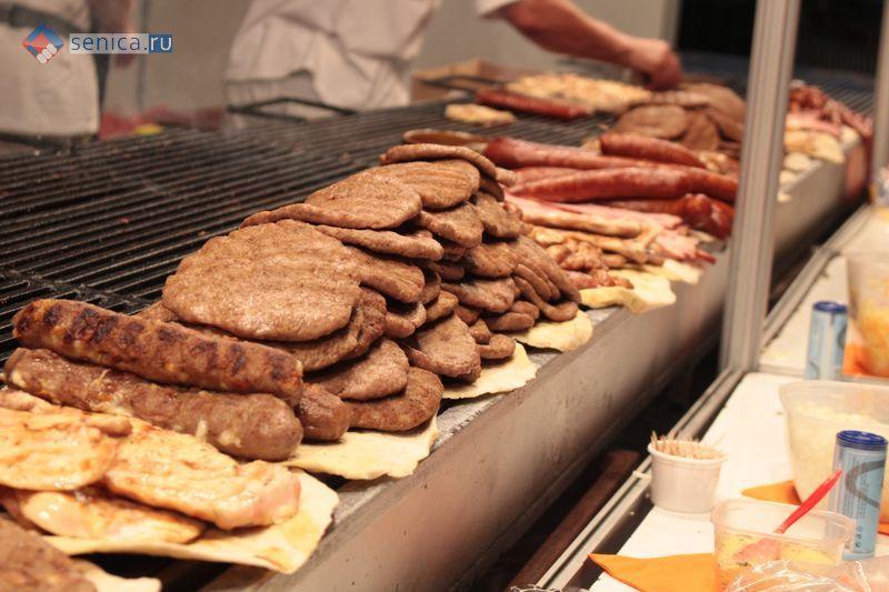Приготовить свиные ребрышки в духовке барбекю