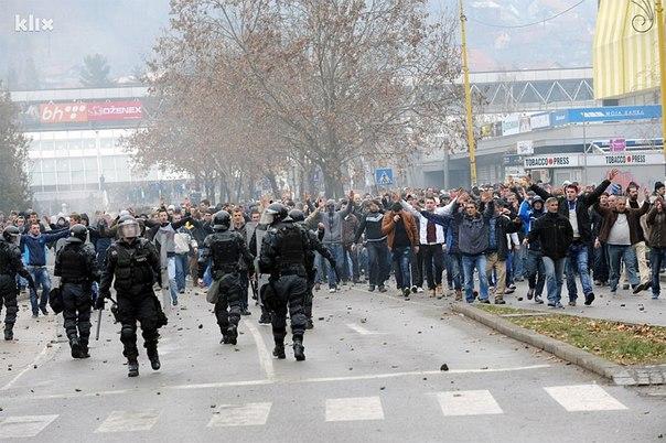 Уличные столкновения в Боснии в 2014 году