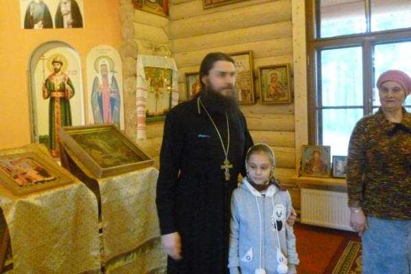 Настоятель храма Святых Царственных Страстотерпцев иерей Борис Ершов