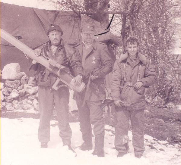 Группа русских добровольцев «интервентного» взвода «Горажданской» (5-й легкопехотной) бригады Дринского корпуса на горе Заглавак в апреле 1993 года