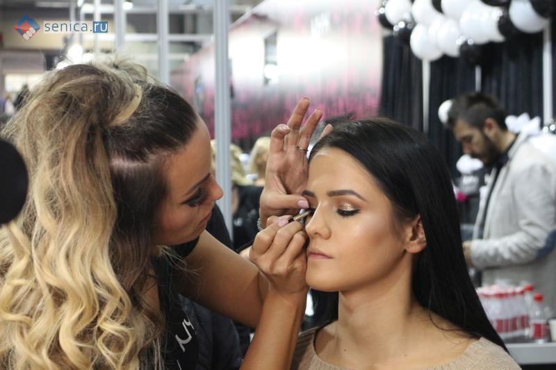 Макияж на косметической выставке в Сербии