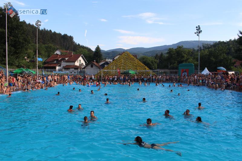 Олимпийский бассейн во Врнячка-Бане