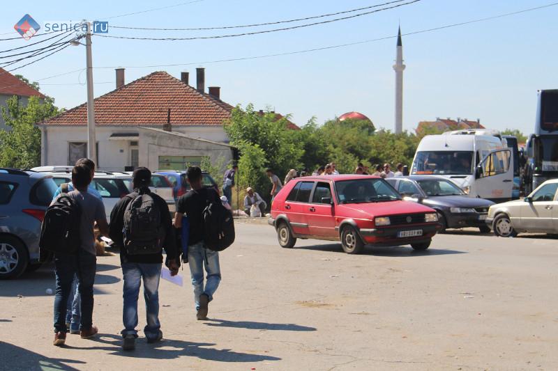 Мигранты в албанском Прешево