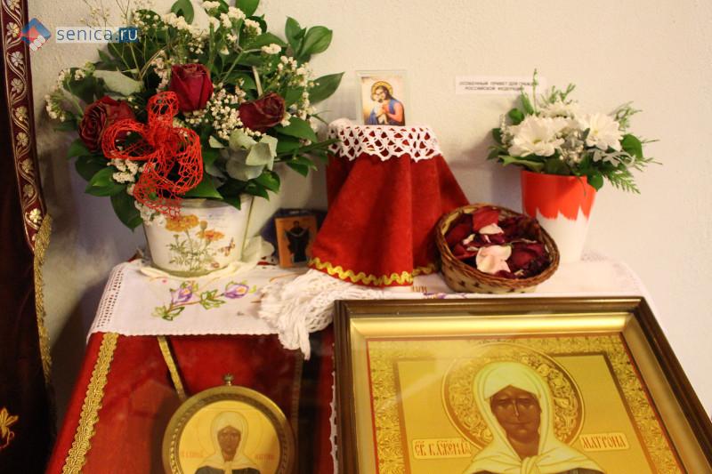 Икона и частица мощей святой Матроны Московской