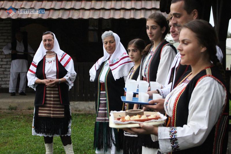 Фолк-ансамбль Пискавицы встречает гостей из России