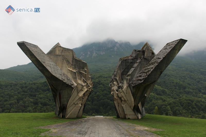 Памятник партизанам в Национальном парке Сутьеска