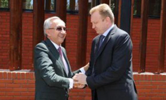 Мэру Белграда Д.Джиласу предложили подать в отставку