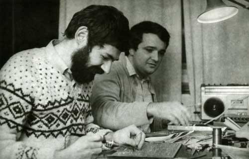 Йова Регасек (слева) и Войа Антонич на сборке «Галаксии»