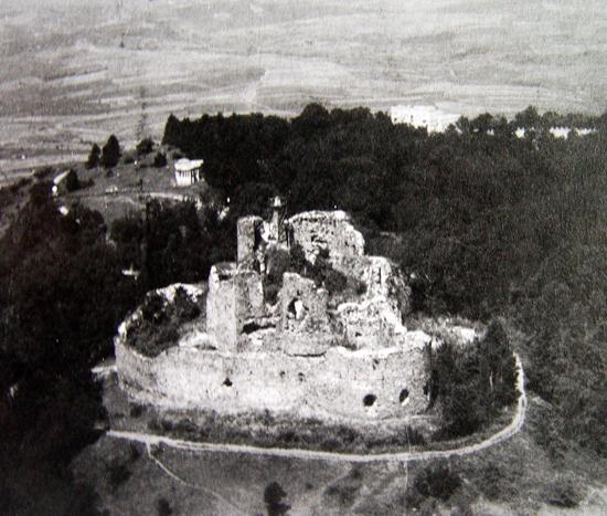 Развалины крепости Жрнов