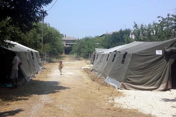 Лагерь беженцев в Прешево, палатки