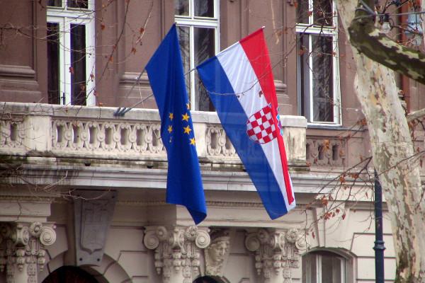 Хорватия шантажирует Сербию заморозкой переговоров с ЕС