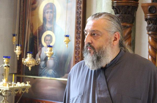 Отец Виталий Тарасьев, подворье РПЦ в Белграде, Сербия, Русский некрополь, Сеница.ру