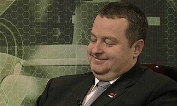 Ведущая без нижнего белья смутила премьера Сербии