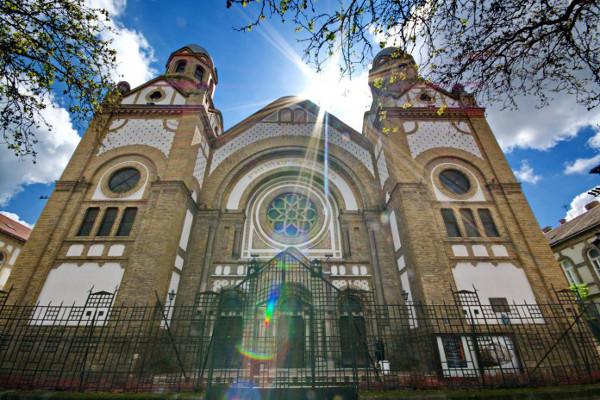 Сербия будет выплачивать евреям почти 1 млн € ежегодно 25 ...: http://www.senica.ru/serbia/news/serbiya-budet-vyplachivat-evreyam-pochti-1-mln-ezhegodno-25-let