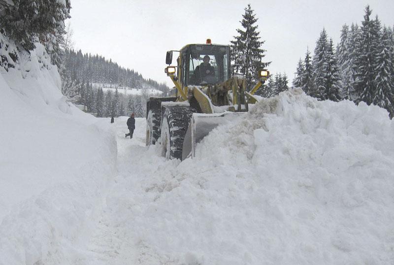 Сильный снегопад по всей Сербии вызвал транспортный коллапс