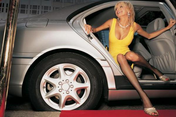 Секс в машине mercedes